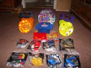McDonalds Happy Meal Toys Power Rangers Samurai, 2011 Halloween Pails, collectible plate